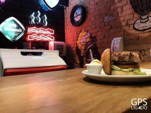 big kahuna burger - gps ligado